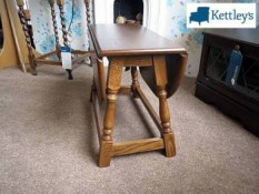 Grangemoor ST24 Swivel Top Table Image